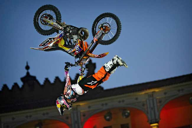 Мировой тур Red Bull X-Fighters 2013